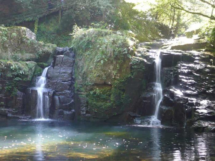 『赤目五瀑』1つ『荷担滝』です。