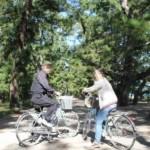 松の木を従えた『日本の道100選』です。