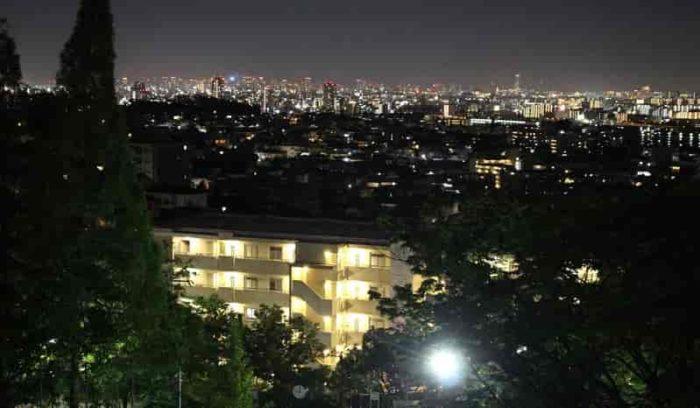 朝日ヶ丘北公園より望む夜景です。