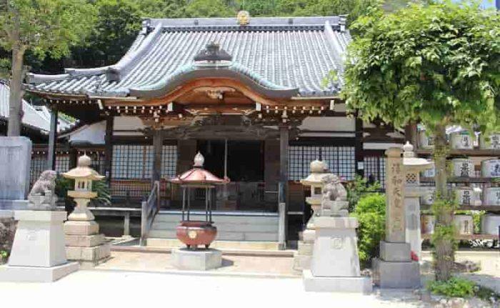 神呪寺の本堂です。