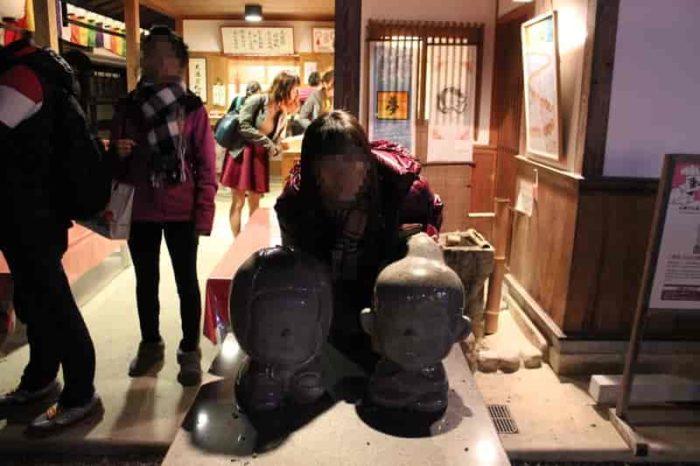 秀吉公とねね様の石像です。