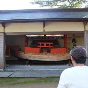 見どころのひとつ「補陀落渡海船」です。
