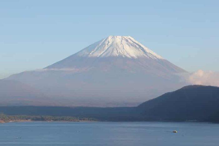 世界遺産に認定される「富士山」です