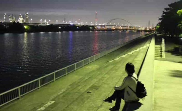 浜寺水路より夜景を眺めてます。