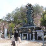 花坂不動尊の境内の「不動明王像」です。