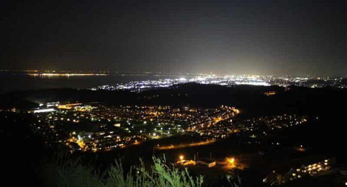 展望緑地より一望した夜景です。