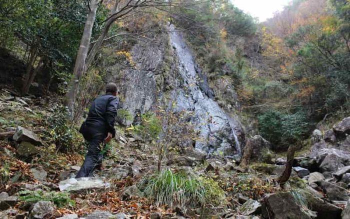 落差65mの段瀑「扁妙の滝」です。