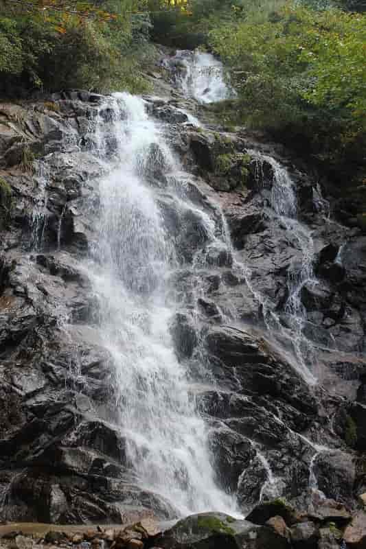 2段からなる『3の滝』です。