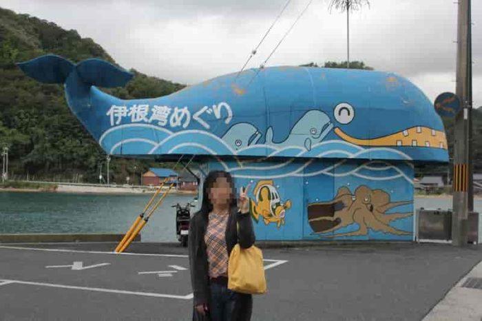 伊根湾めぐり遊覧船の無料駐車場です。