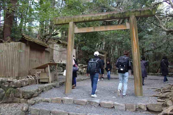 『大山祇神社』と並ぶ『子安神社』です。