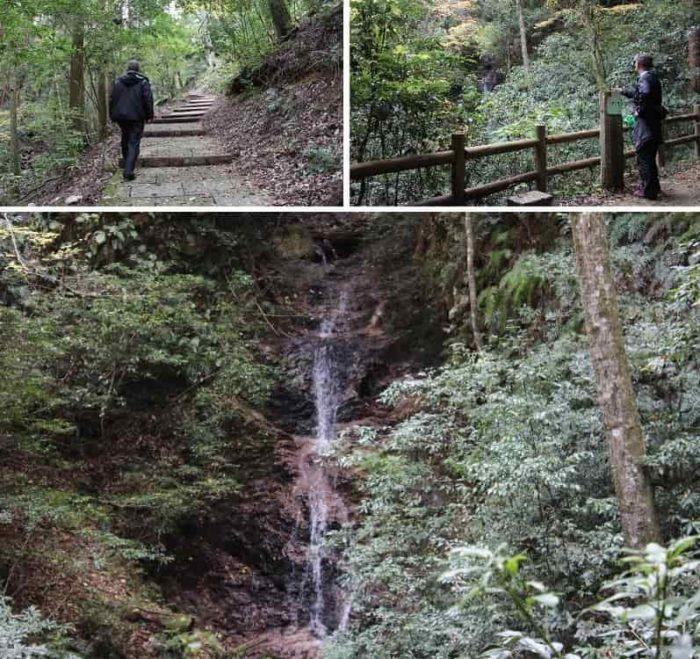 見どころのひとつ「行者の滝」です。