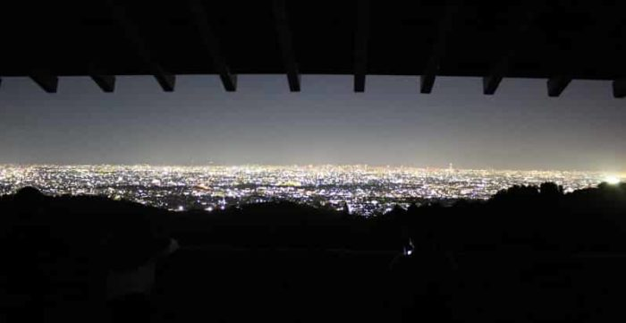 神呪寺の如意閣から望む夜景です。
