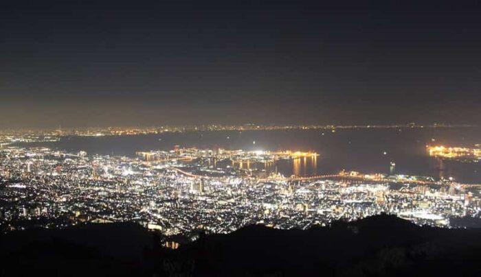掬星台より望む1000万ドルの夜景です。