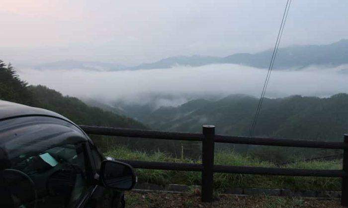 高野辻休憩所より望む雲海です。