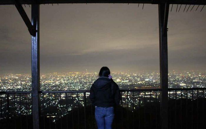 水吞地蔵尊で眺められる夜景です。