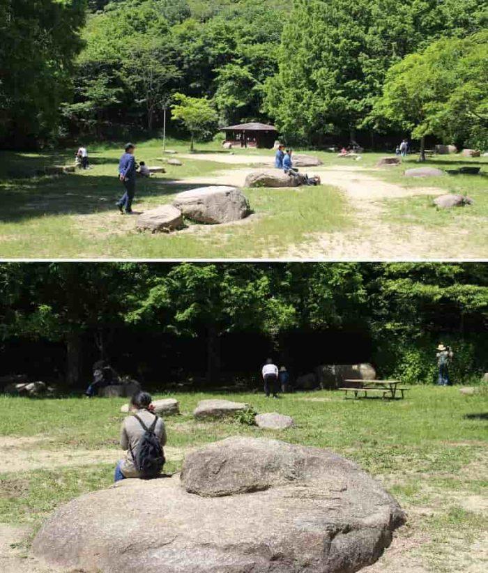 巨石が点在する『森の劇場』です。