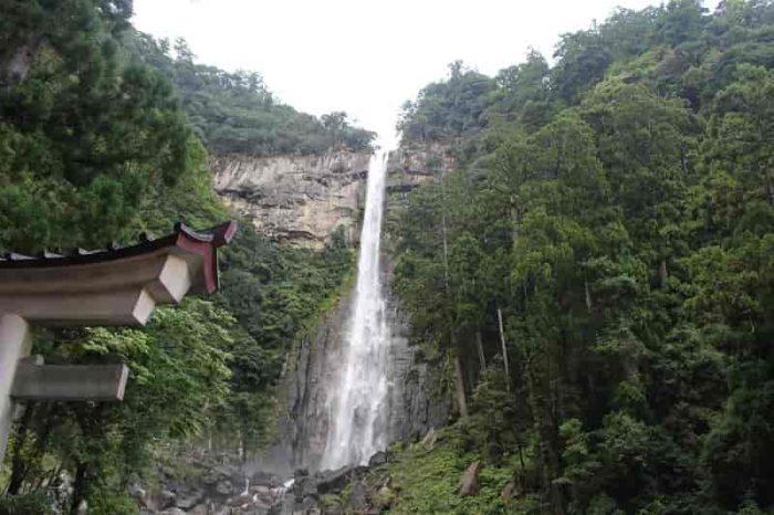 日本一の名瀑となる『那智の滝』です。