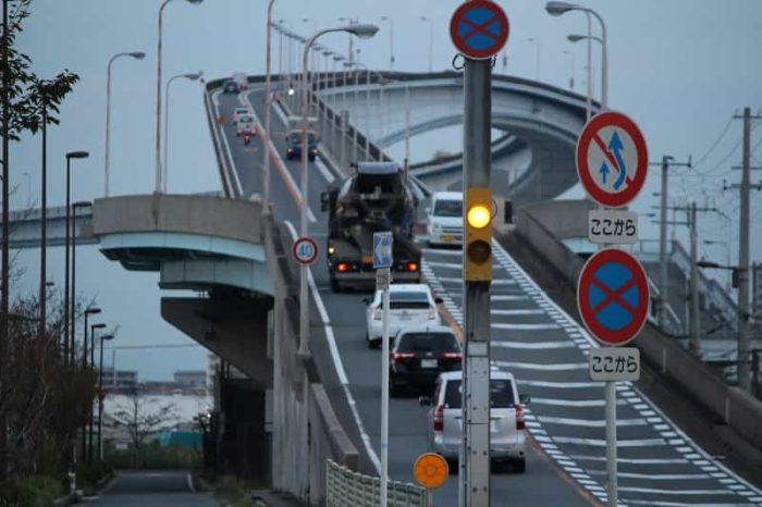 大阪のベタ踏み坂「なみはや大橋」
