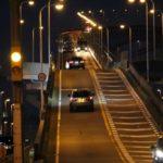 ベタ踏み坂となる「なみはや大橋」です。