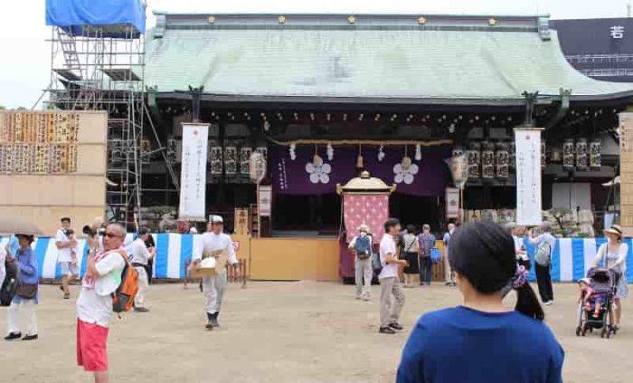 大阪天満宮の本殿です。