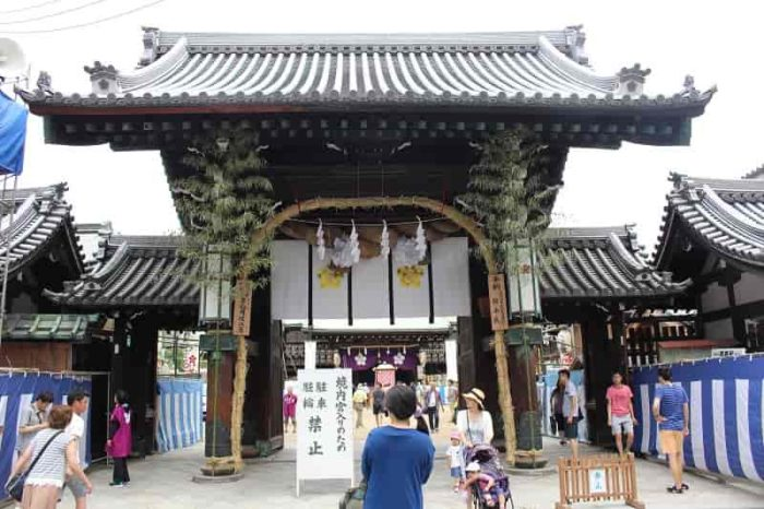 大阪天満宮の『表大門』です。