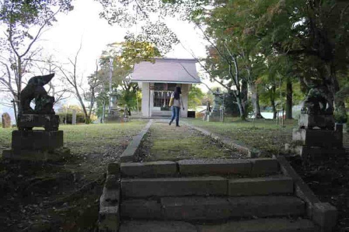 145段の石段の上の「妙見堂」です。