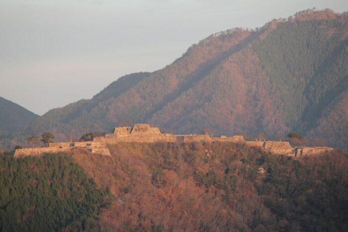 悲しくも綺麗に竹田城跡が見えます。