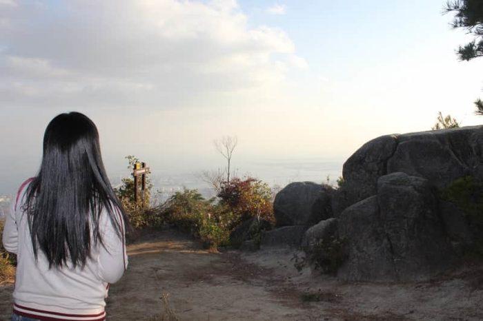 六甲山の見どころ『天狗岩』です。