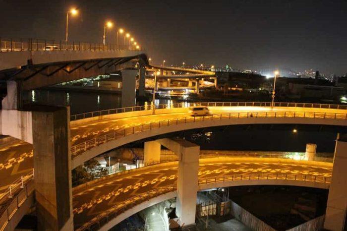 「千本松大橋」は通称「めがね橋」です。