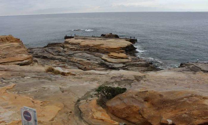 第3紀層の砂岩からなる千畳敷です。