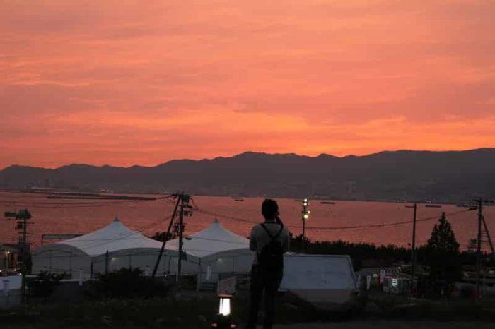 展望広場から眺める夕日です。