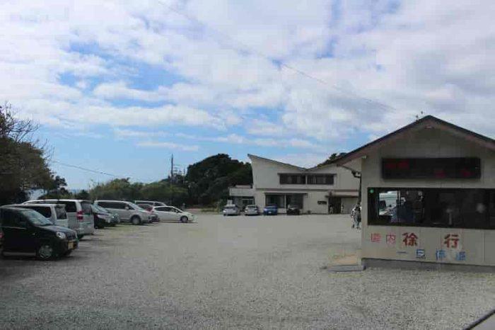 潮御崎神社の有料の駐車場です。