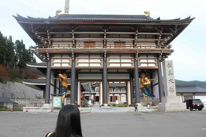 『長楽寺』の無料の駐車場です。