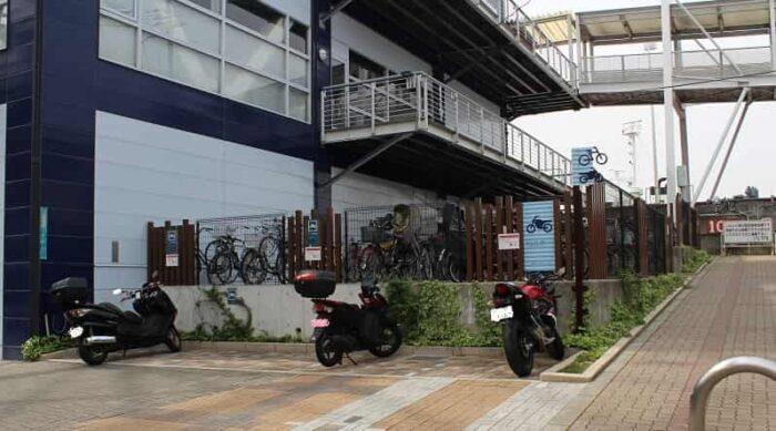 バイク・自転車の駐輪場です。