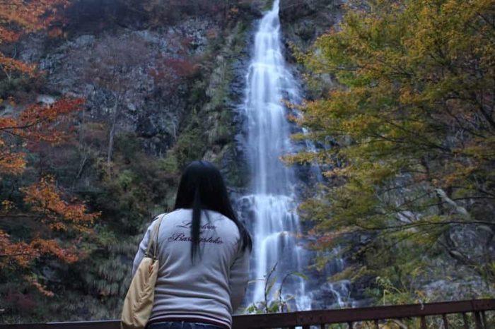 日本の滝100選に選ばれる天滝です。