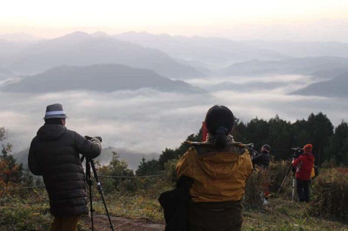 鳥見山公園の晴見台より望む雲海です。
