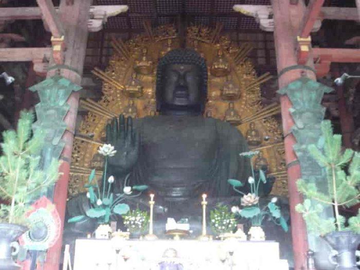 盧舎那仏こと『奈良の大仏さん』です。