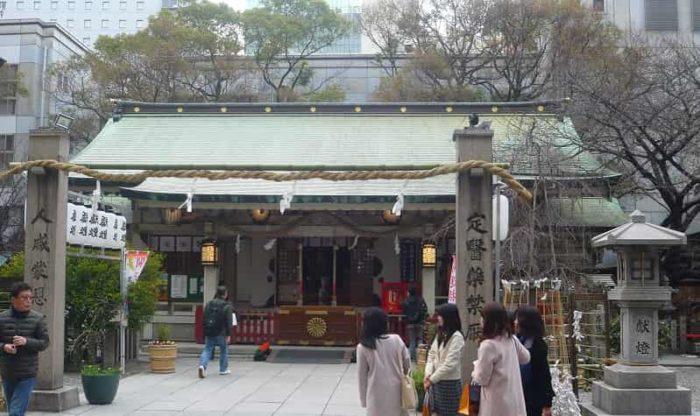 1300年の歴史を持つ露天神社です。