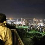 諏訪山展望台より眺める夜景です。