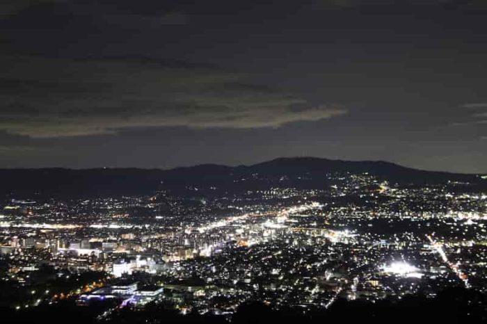 眩いばかりの街灯りの絶景です。