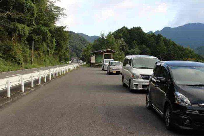 椿山レイクブリッジの駐車スペースです。